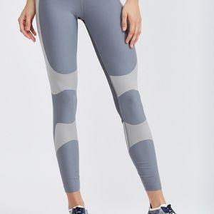 NWT Nike Power leggings dri-fit size XS